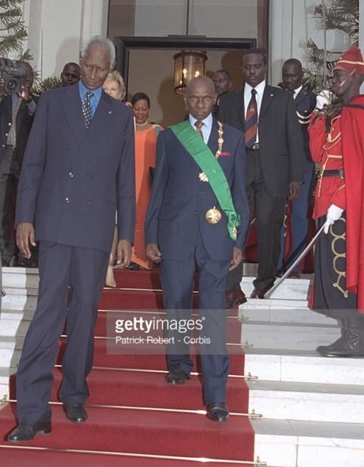 Souvenirs: Quand Abdou Diouf et Elizabeth quittaient le Palais en 2000