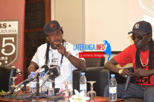 Dj Awadi et Duggy Tee dénoncent la gestion de Macky: «le pays va mal et les pilleurs de la république sont toujours là»