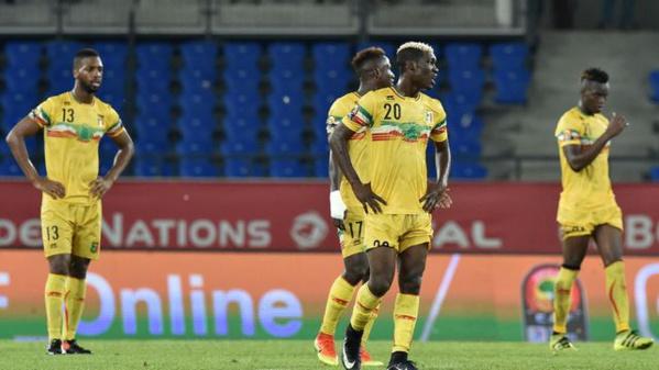 Mali : la FIFA exclut tous les clubs et sélections...