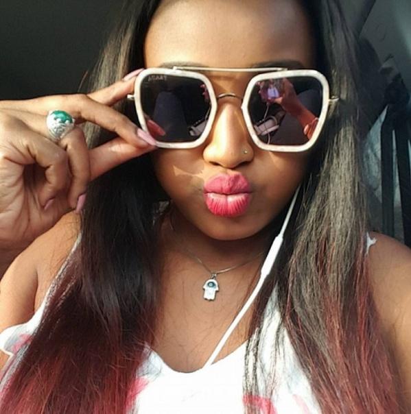 Admirez Mignonne Dia, la ravissante fille du feu le chanteur Demba Dia