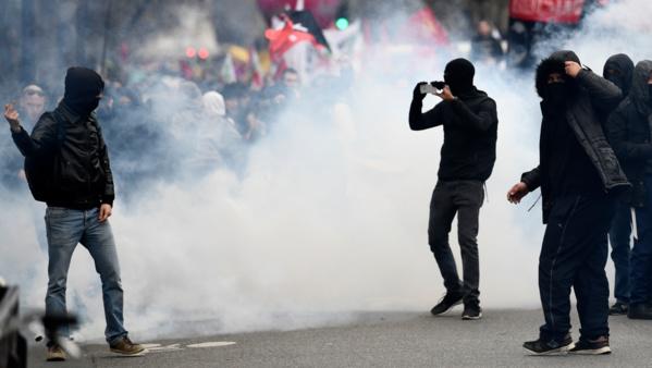 Présidentielle: Neuf blessés et 29 personnes placées en garde à vue après les échauffourées à Paris...