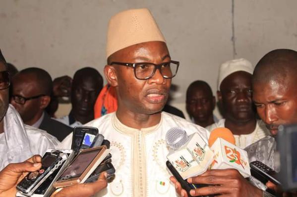 En Meeting : Me Moussa Diop tance les membres de Y'en a marre