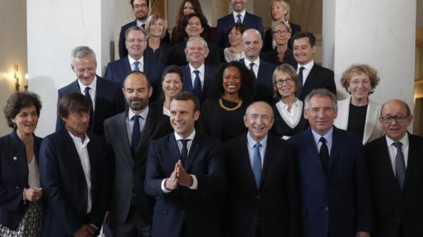 Nouveau Gouvernement Français: allemand, seconde langue