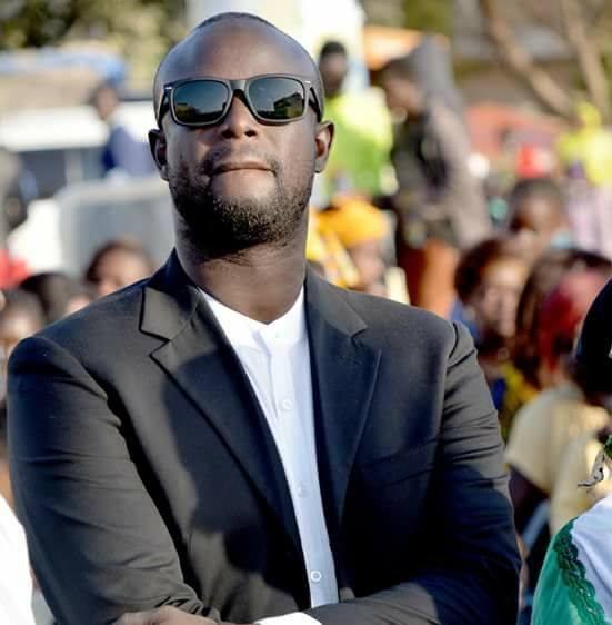 Voici le jeune Apériste, Mo Ndoye qui traitait le ministre Yakham Mbaye d'homosexuel