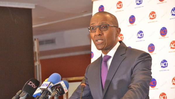 Abdoul Mbaye: «les ambassades et les consulats sont devenus pour l'essentiel des repères de militants APR »