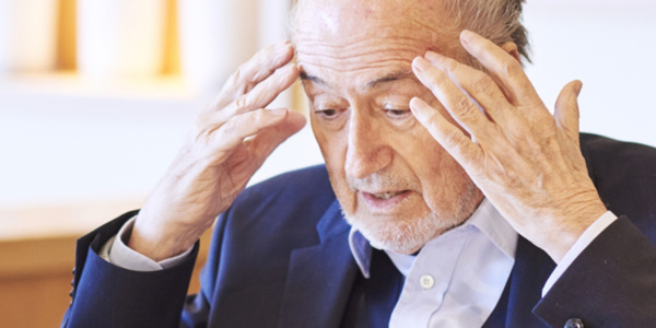 Sepp Blatter regrette d'être resté si longtemps à la tête de la FIFA