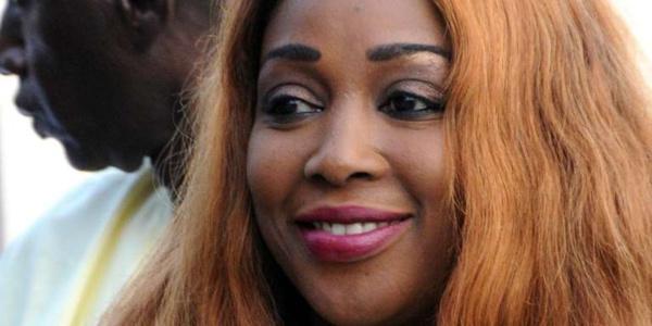 """Le journal le Monde parle de l'affaire Amicolé: «une chanteuse incarcérée après avoir qualifié Macky Sall de """" coquin""""  sur WhatsApp »"""