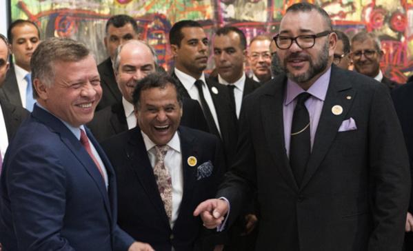 Maroc : Mohammed VI défend sa politique en Afrique et gracie 415 personnes