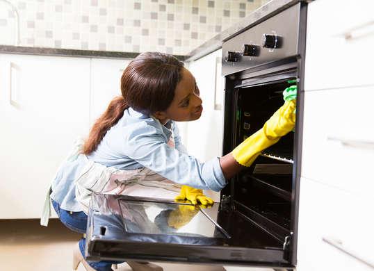 Qatar: une loi pour protéger les employés de maison