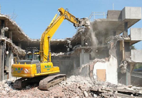 Ahmed Khalifa Niass, à l'aide de bulldozers, fait démolir des maisons à Kaolack