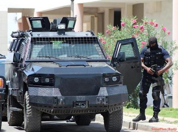 La capitale Sénégalaise, quadrillée par des gendarmes armes au poing