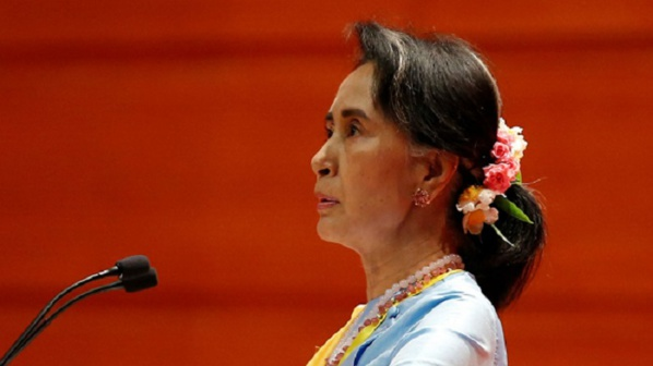 Birmanie: « Aung San Suu Kyi, une pire traite »