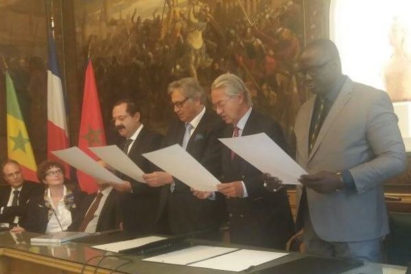 France: l'adjoint au maire de Ziguinchor, Seydou Sané signe plusieurs accords de coopérations...