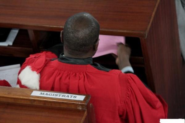 Un juge menace de quitter la Magistrature : Il accuse Me Sidiki Kaba de...