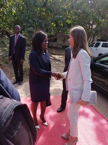 Le ministre Angelique Manga à l'accueil de la Reine d'Espagne