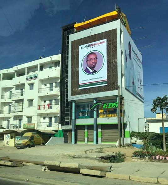 Ousmane Sonko quitte le siège de Atépa Goudiaby