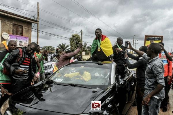 Le trio arbitral camerounais accueilli en héros