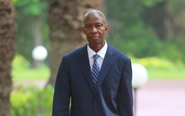 Absentéisme au lendemain de la Tabaski : Quand le ministre Samba Sy parle pour parler
