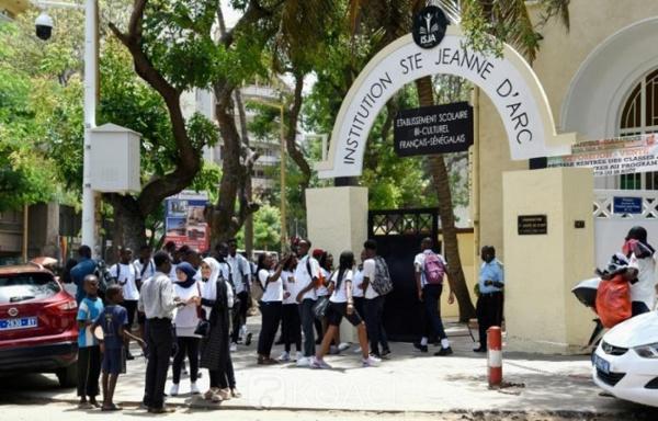 URGENT: Les élèves voilées de Ste Jeanne d'Arc regagnent les classes ce matin