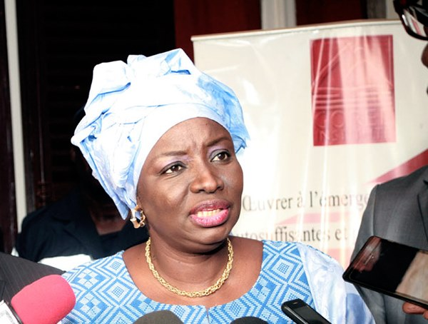 CESE : Mimi Touré en difficulté financière