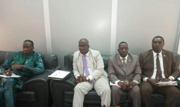 """Défaite de Macky Sall au Sud: """"Le Collectif des députés de la Casamance"""" veut inverser la tendance électorale"""