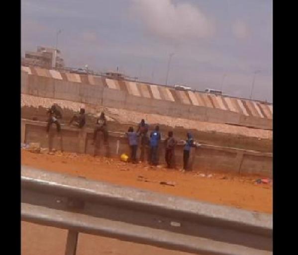 Vidéo: Retour des petits délinquants du pont de l'émergence