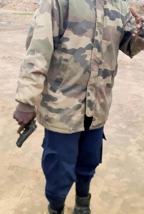 Ndengler : Un homme armé d'un pistolet menaçait les députés