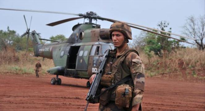 Mali: la libération de prisonniers laisse un goût amer aux militaires français