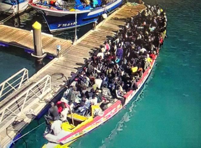 Espagne: Une pirogue est arrivée à Tenerife avec 167 migrants