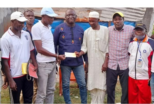 """Casa Sport: Le président Seydou Sané apporte un """"appui financier et moral"""" aux anciens joueurs du club"""