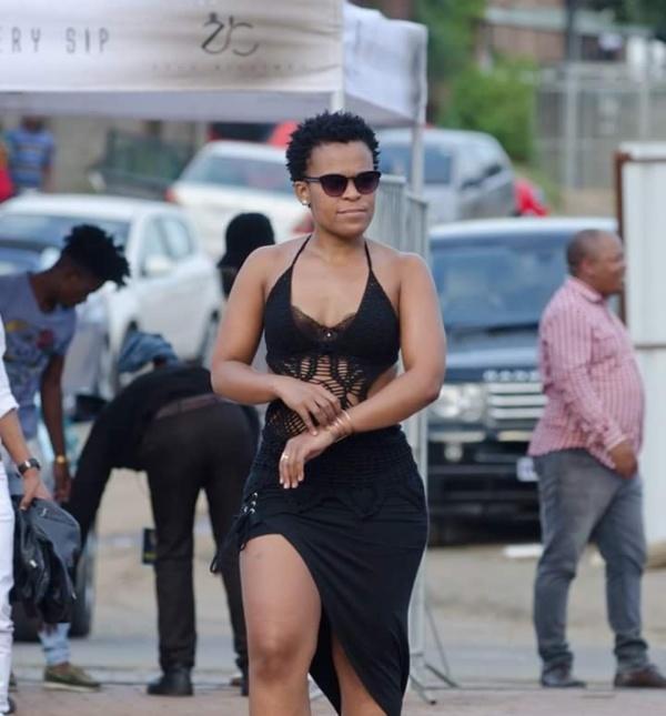 Malgré les critiques ses tenues, Zodwa Wabantune ne change pas