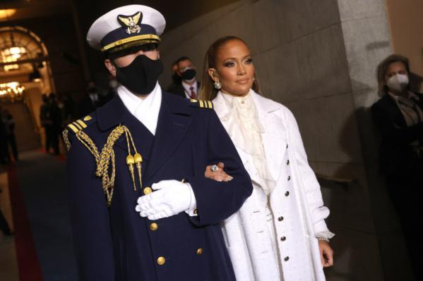 "Investiture de Biden : Jennifer Lopez crie ""justicia para todos"""