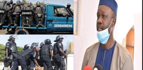 Un gendarme et un policier soupçonnés d'informer Sonko arrêtés