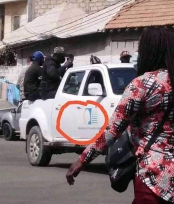 DAKAR: Des nervis du pouvoir traquent des opposants avec des véhicules du ministère de l'éducation nationale