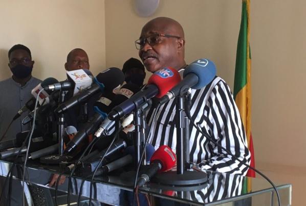 """""""La vocation de l'armée n'est pas de traquer des civils ou de leur tirer"""", selon Alioune Badara Cissé"""