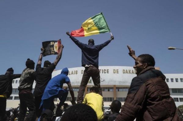 """L'ONG Human Rights Watch plaide pour le respect de """"la liberté d'expression et de réunion"""" au Sénégal"""