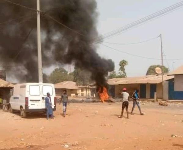GAMBIE : un mort dans les violents affrontements entre pêcheurs sénégalais et autochtones (Photos)