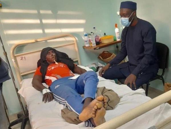 """Sonko au chevet des """"victimes de la répression aveugle du régime de Macky Sall"""""""
