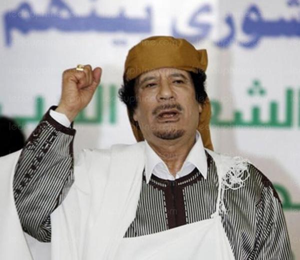 Macron regrette la chute de Khadaffi : « Nous avons une dette envers la Libye, très claire. Une décennie de désordre»