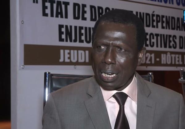 """""""Les deux questions que ce mercenaire journalistique qu'est Madiambal doit poser à son """"ami"""" Macky Sall sont..."""""""