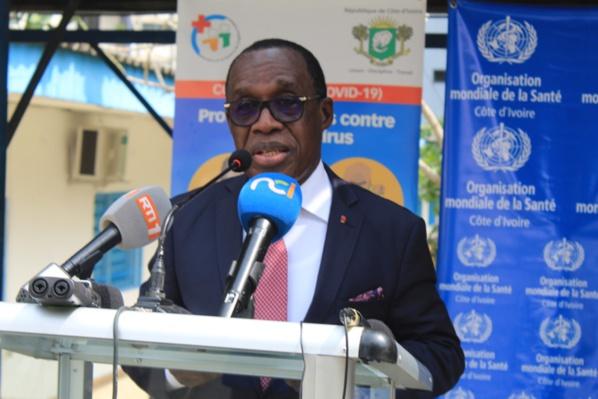 """Jean-Marie Vianny Yaméogo, représentant de l'OMS en Côte d'Ivoire : """"Les mesures barrières vont demeurer avec ou sans vaccination"""""""