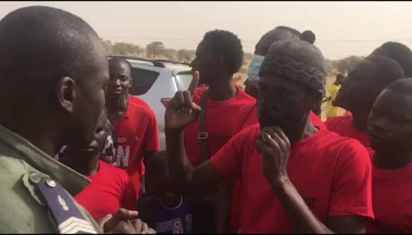 """Le mouvement """"Podor Debout"""" demande à Macky d'écouter la jeunesse et vilipende les responsables locaux de l'APR"""