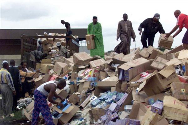 Scandale : Plusieurs camions chargés de faux médicaments interceptés par la police