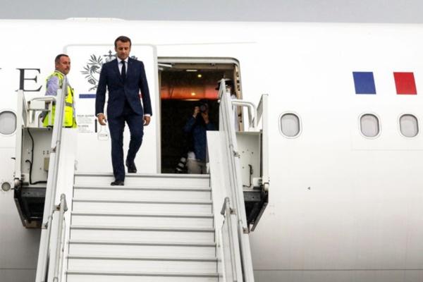 Funérailles de Idriss Déby : Le président français, Emmanuel Macron est arrivé à N'Djaména