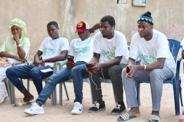 """Ziguinchor : Seydou Sané et son mouvement offrent des """"Ndoggou"""" à la population de  Colobane Fass"""