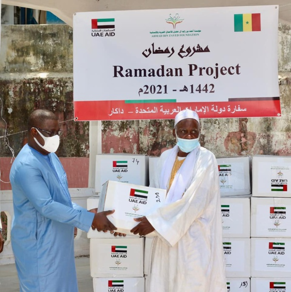 """Ramadan: Baldé et ses partenaires des Émirats Arabes Unis """"inondent"""" la capitale du Sud de Kits alimentaires"""