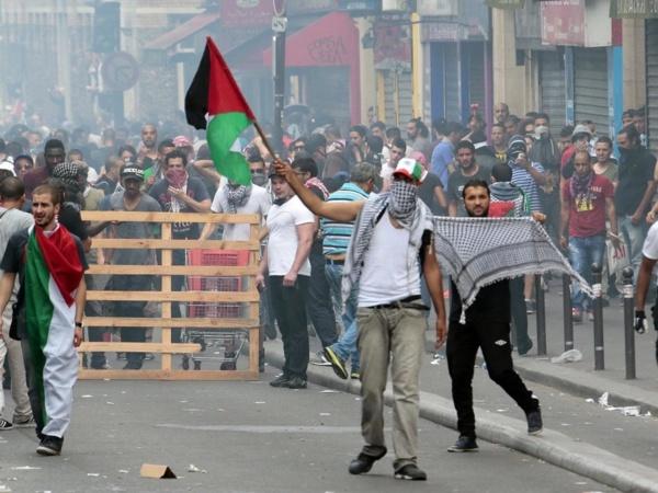 Tensions au rassemblement pro-palestinien interdit à Paris