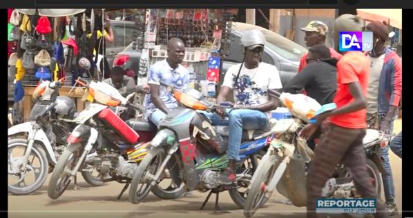 """Transport à Dakar : Désormais il faut compter avec les conducteurs de motos """"Jakarta"""""""