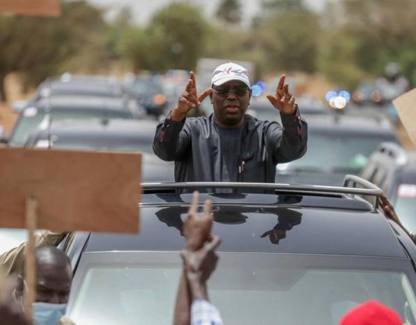 Macky Sall en pleine campagne électorale : « Je veux 100% des collectivités de la région de Kaffrine aux locales »