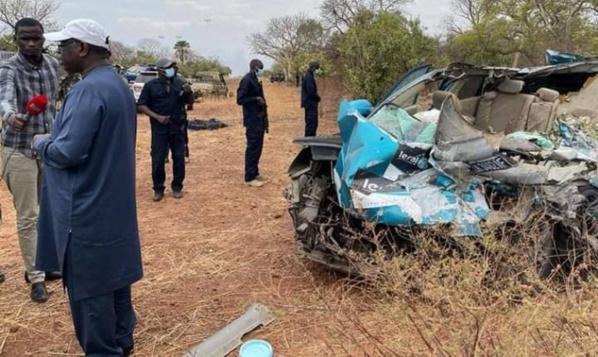"""Décès par accident de 3 agents de """"Leral.Net"""" : Macky SALL sur les lieux du drame"""